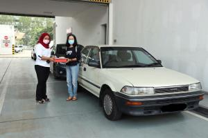These Toyota Corolla KE70 and AE90 are still cared for by a Toyota dealer