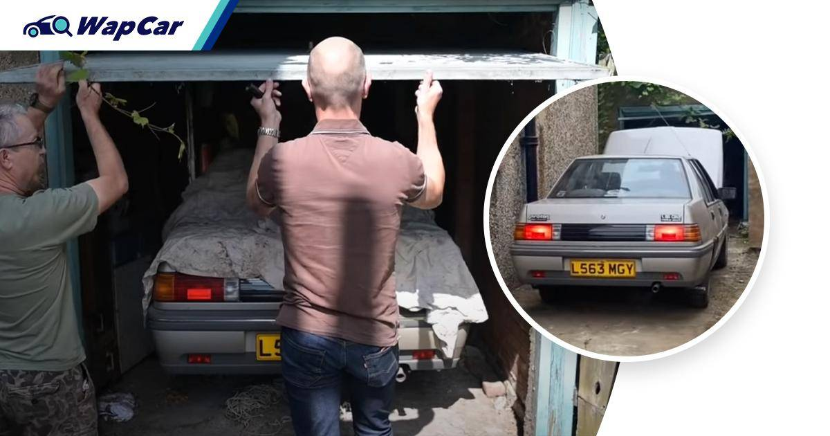Immaculate 1993 Proton Saga found in British garage. Only clocked 16k km! 01