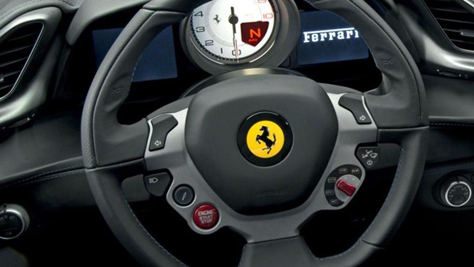 Ferrari 488 (2015) Interior 003