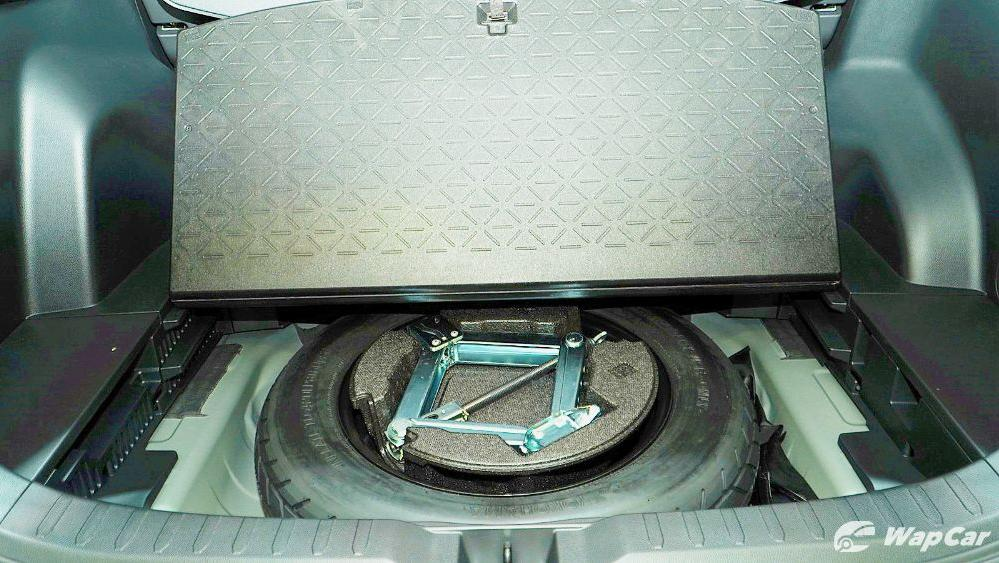 2020 Toyota RAV4 2.5L Interior 122