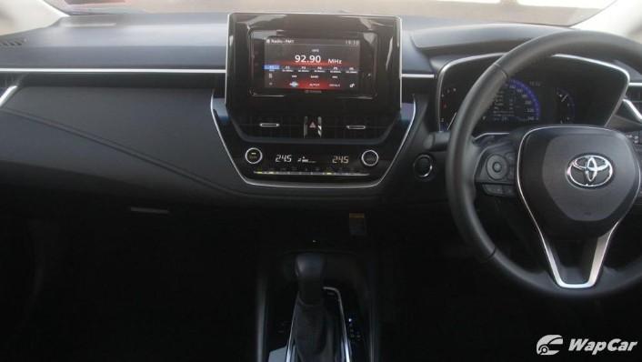 2019 Toyota Corolla Altis 1.8G Interior 004