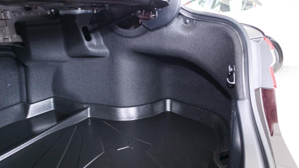 2019 Toyota Camry 2.5V Interior 041