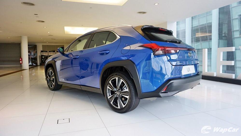 2020 Lexus UX 200 Luxury Exterior 038