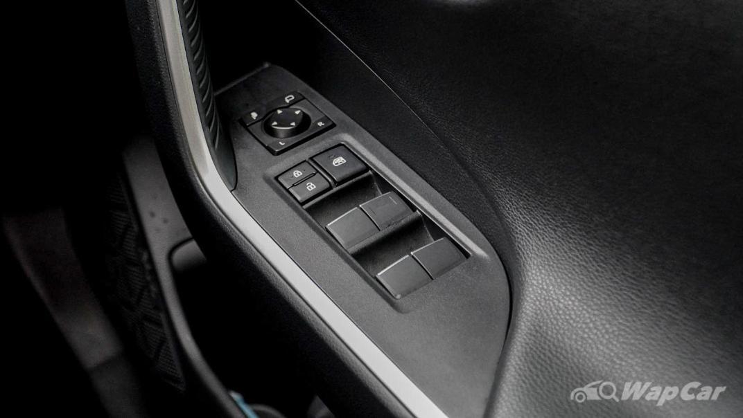 2020 Toyota RAV4 2.5L Interior 150