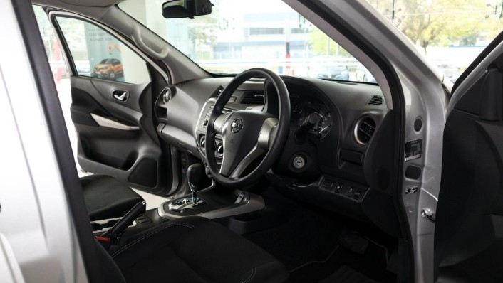 2018 Nissan Navara Single Cab 2.5 (M) Interior 002