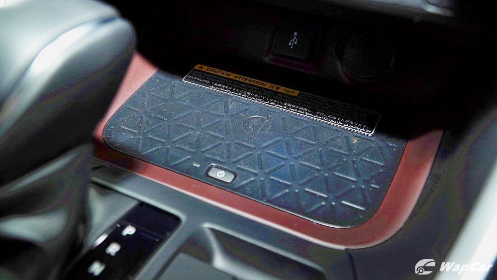 2020 Toyota RAV4 2.5L Interior 074