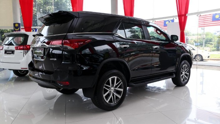 2018 Toyota Fortuner 2.7 SRZ AT 4x4 Exterior 004