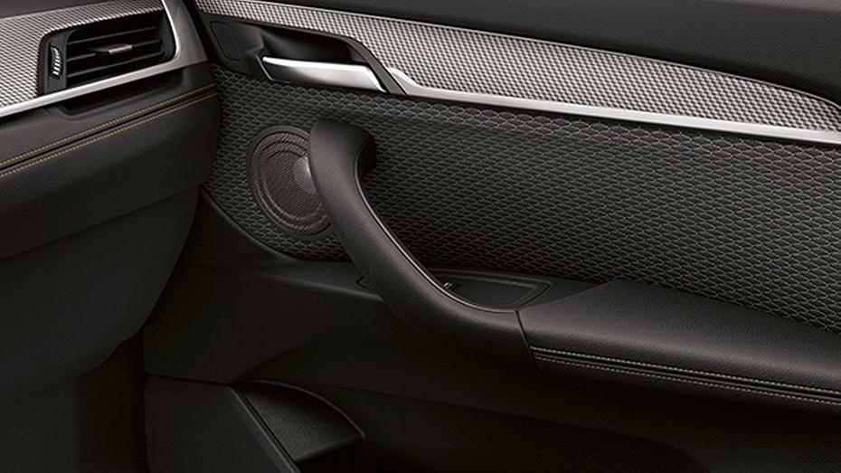 BMW X2 (2019) Interior 009
