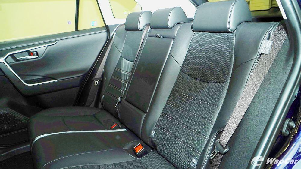 2020 Toyota RAV4 2.5L Interior 100